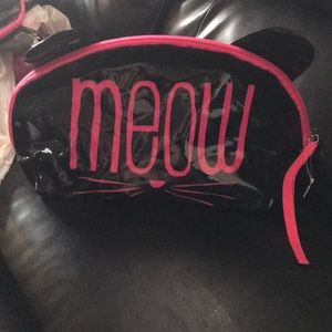Accessories - Brand new large meow beauty bag